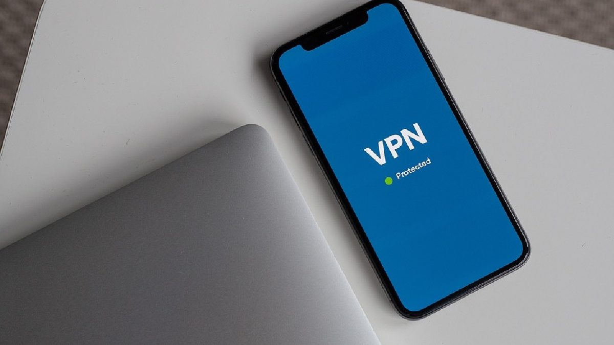 What Uses can you Give a VPN if you Carry it on Your Mobile?