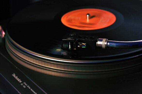 Investing In A Vinyl Record Player