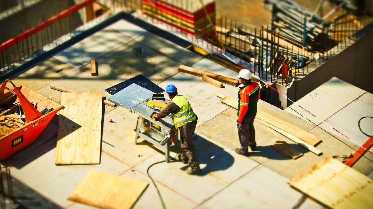 Why Do You need a Secure Time Clock App for Your Construction Business?