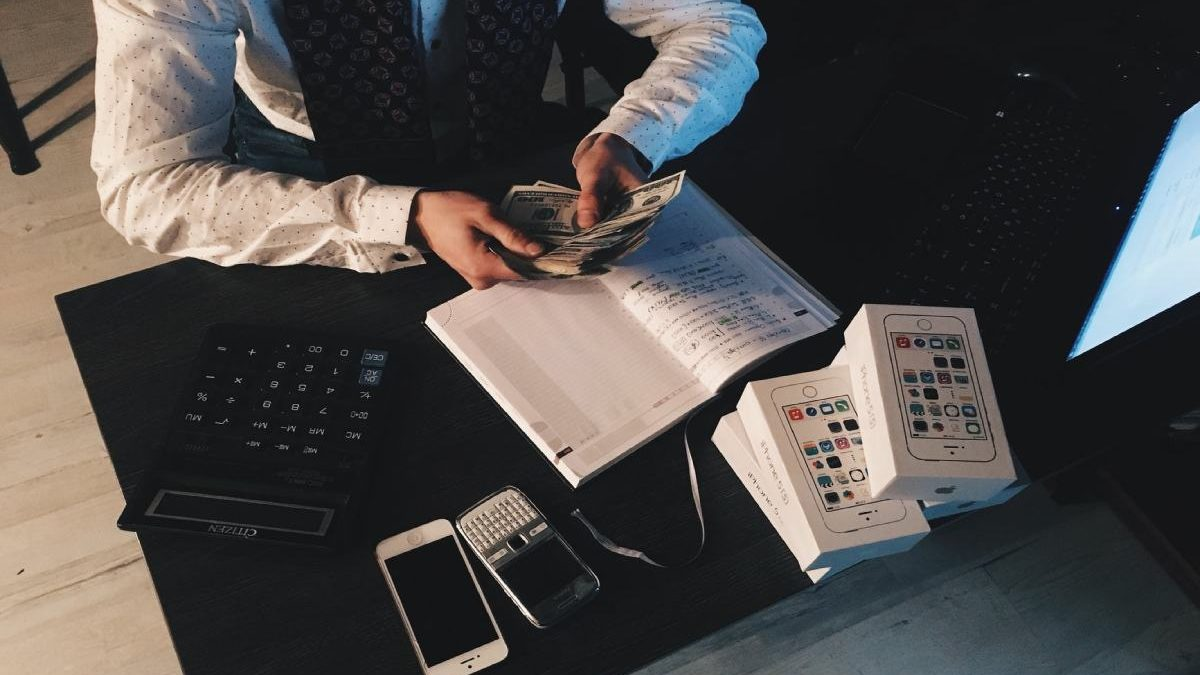 Why You Shouldn't Solve Business Problems With Personal Finance